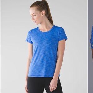 Lululemon beat the heat short sleeve sz 4 blue
